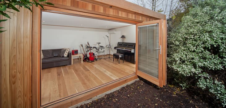 Garden office outdoor home office garden studio for Build your own garden office