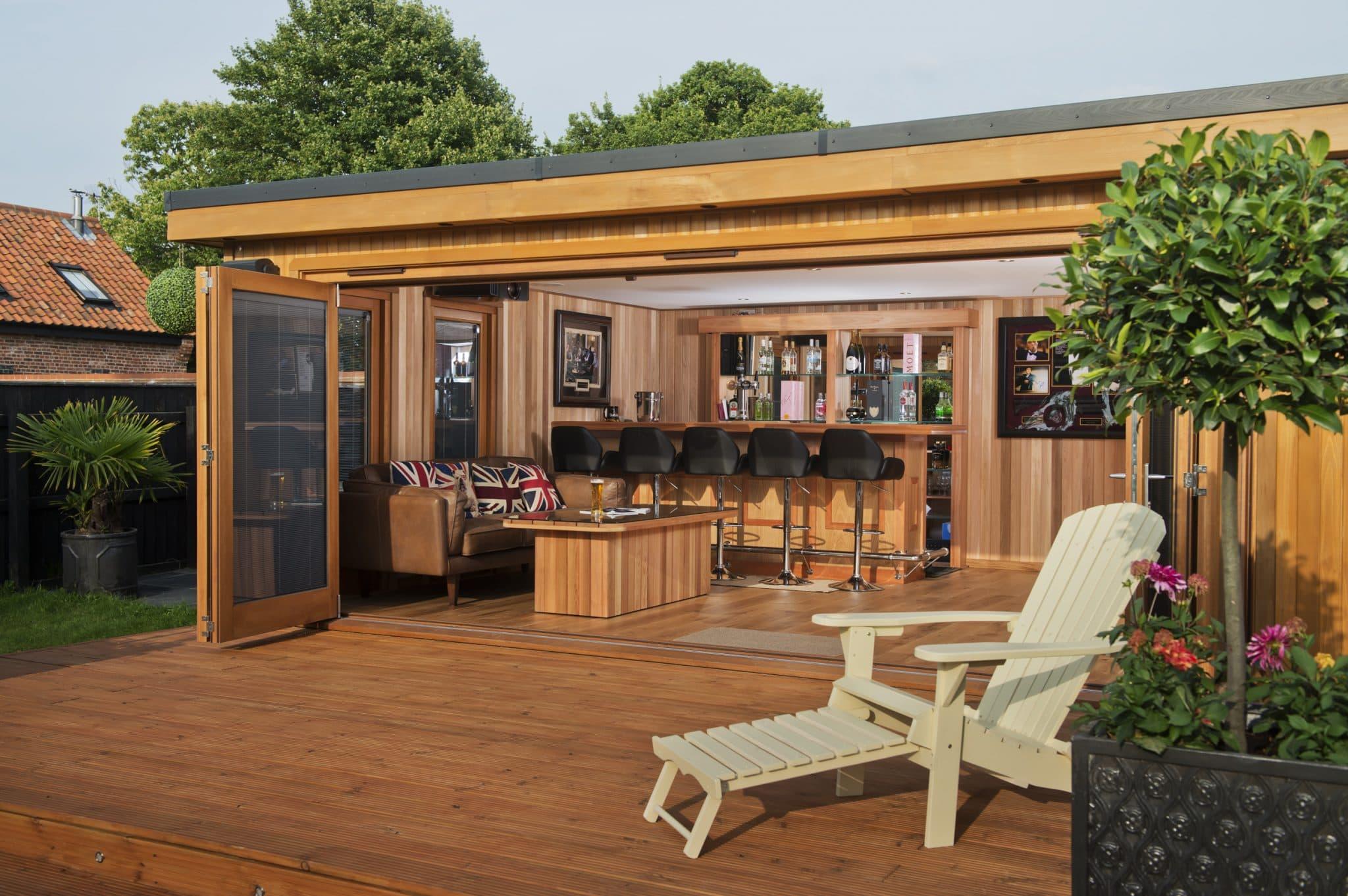 Garden Cinema Room | Outdoor Media Room | Bespoke Garden ...