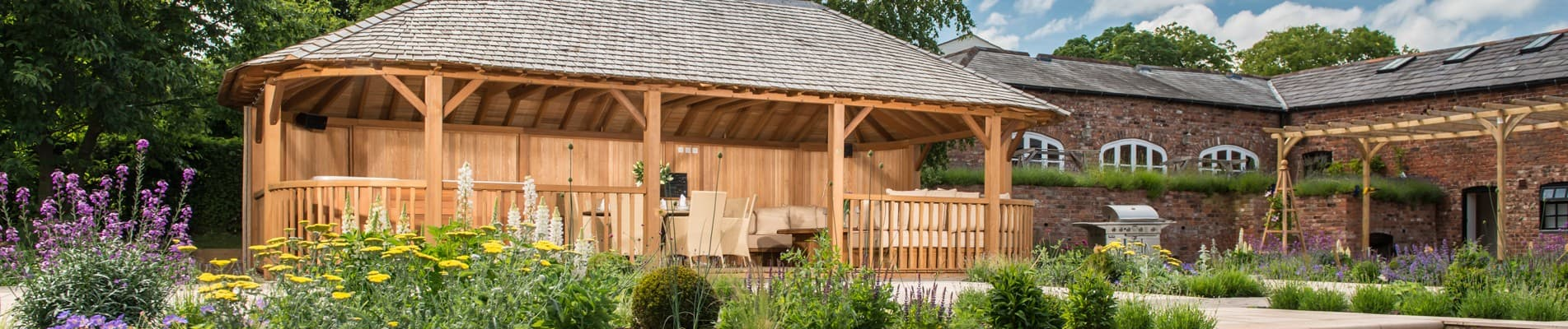 Luxury garden buildings pool houses in oxfordshire for Luxury garden sheds
