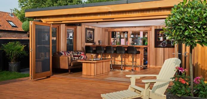 The crown garden rooms range luxury garden building ideas - Garden in small space collection ...