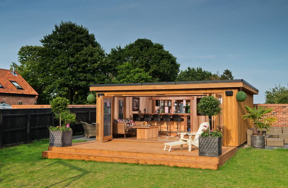 Bespoke garden pavilions in essex crown pavilions for Garden rooms finance