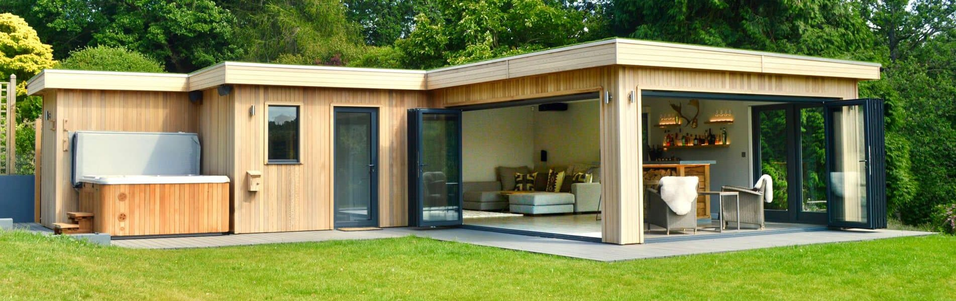 Garden rooms by crown pavilions bespoke outdoor garden for Bespoke garden rooms