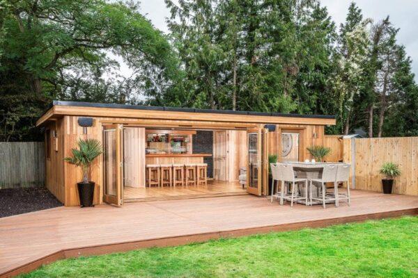Bespoke Garden Cinema Room & Bar