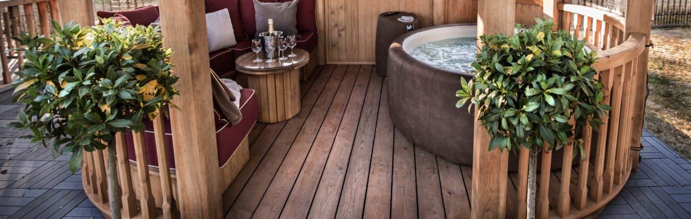 Hot Tub Slider 3