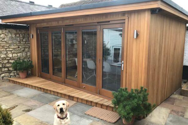 Bespoke garden room with Wedge overhang and deck