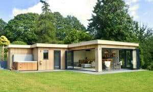 Bespoke Garden Room and hot tub