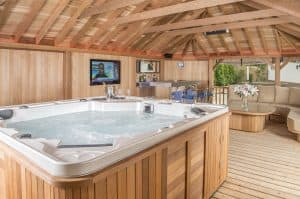 garden room hot tub