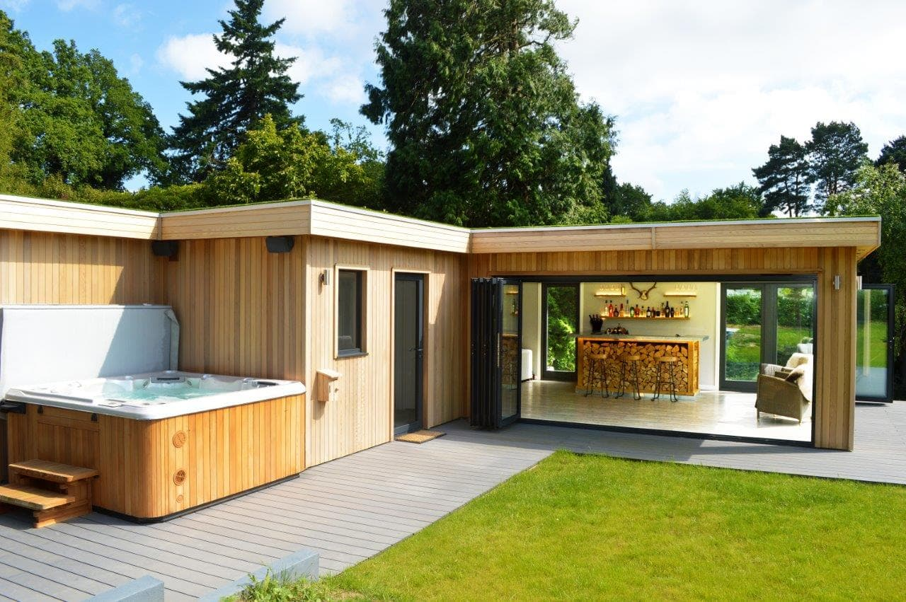 Bespoke Garden Room & Hot Tub